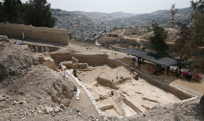 Excavation reveals 2,100 year old southern wall of ancient Jerusalem